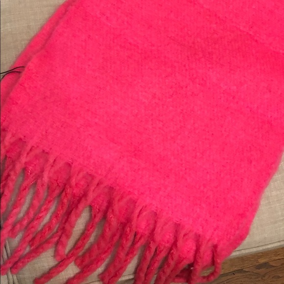 🔥3 scarves for $50.. bundle to save